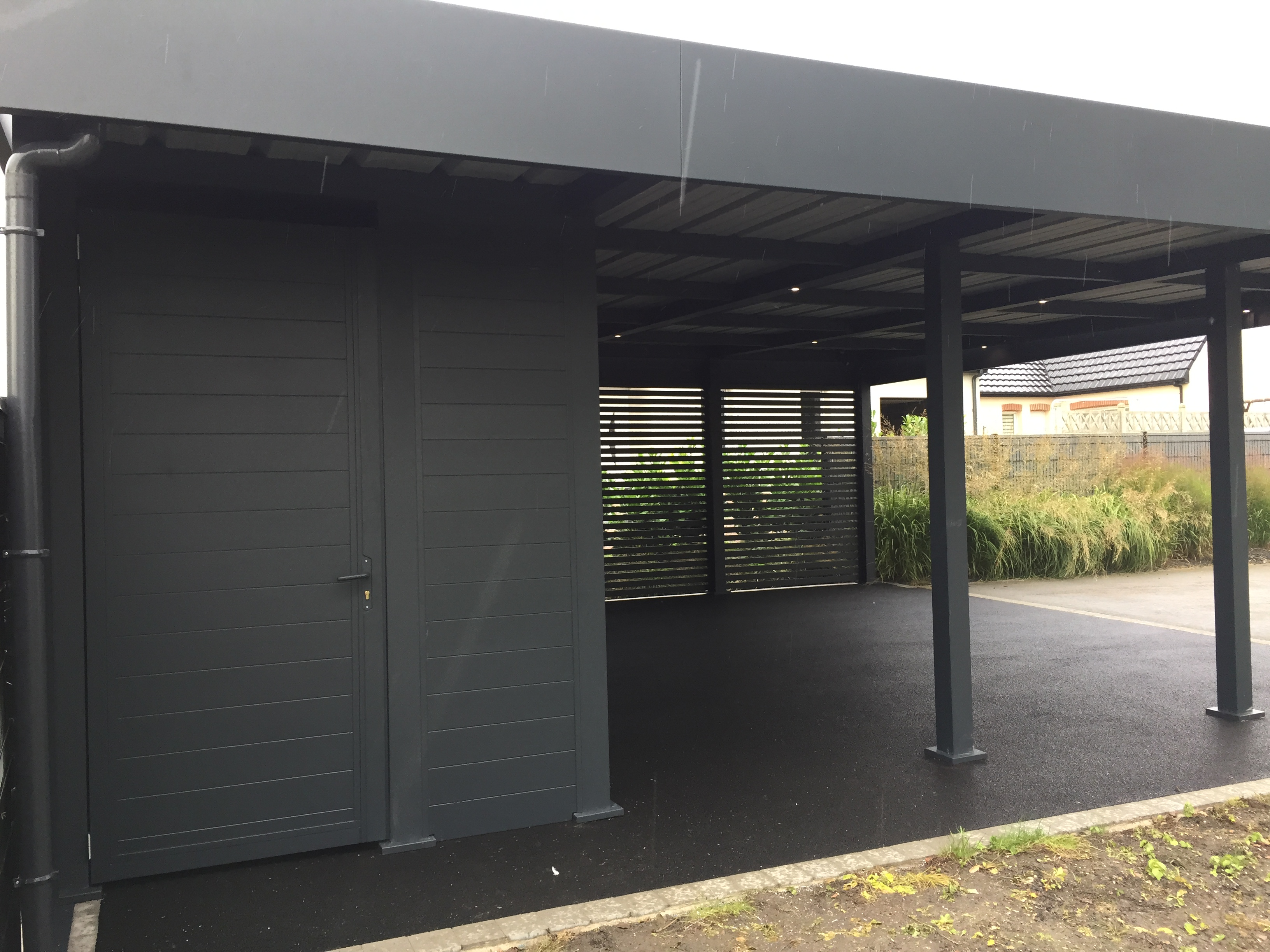 chantier carport aluminium estevelles. Black Bedroom Furniture Sets. Home Design Ideas